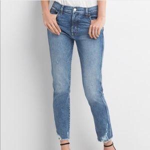 GAP 1969 High Rise Slim Straight Jeans Raw Hem -31
